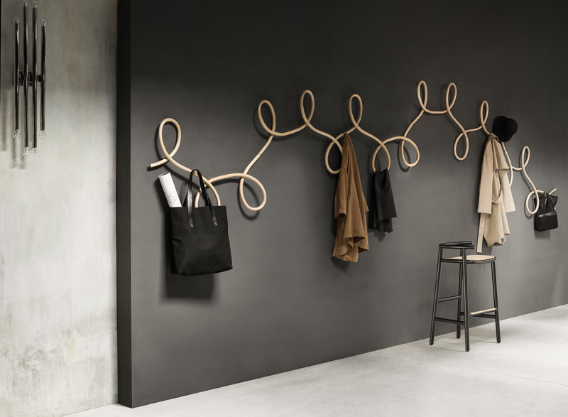 coat-rack_250716_01