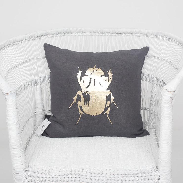 3-cushion_45_charcoal_new-3