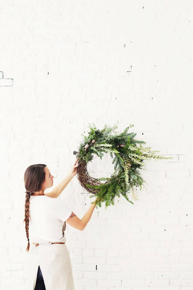 diy-holiday-decorations-to-make-this-weekend-1583225-1449205197-640x0c