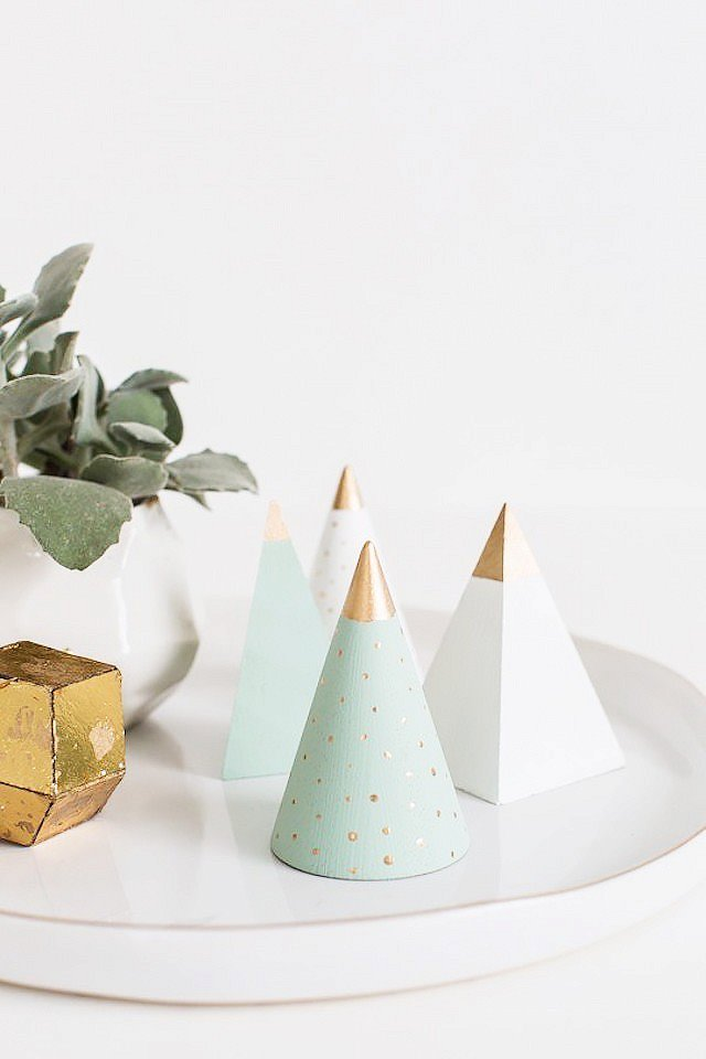 diy-holiday-decorations-to-make-this-weekend-1583228-1449205198-640x0c