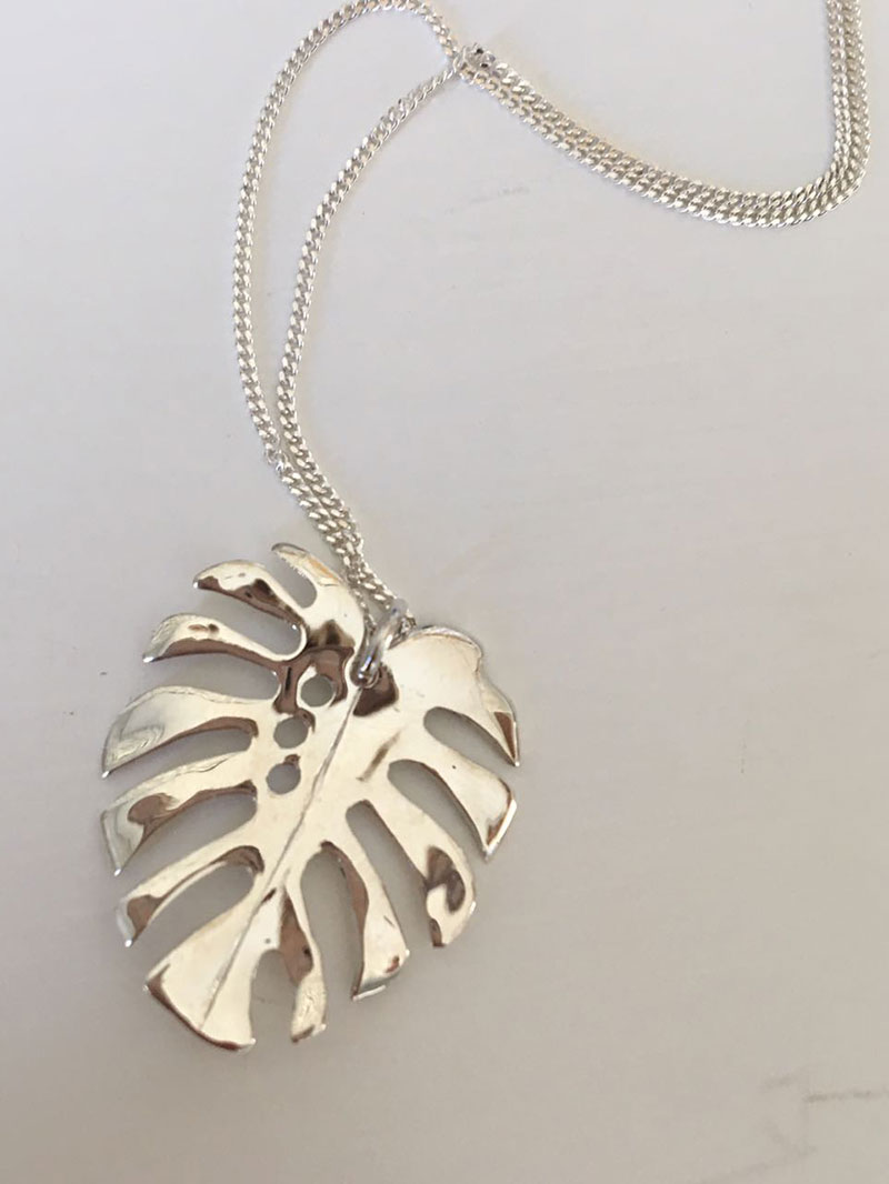 monster-leaf-necklace-silver